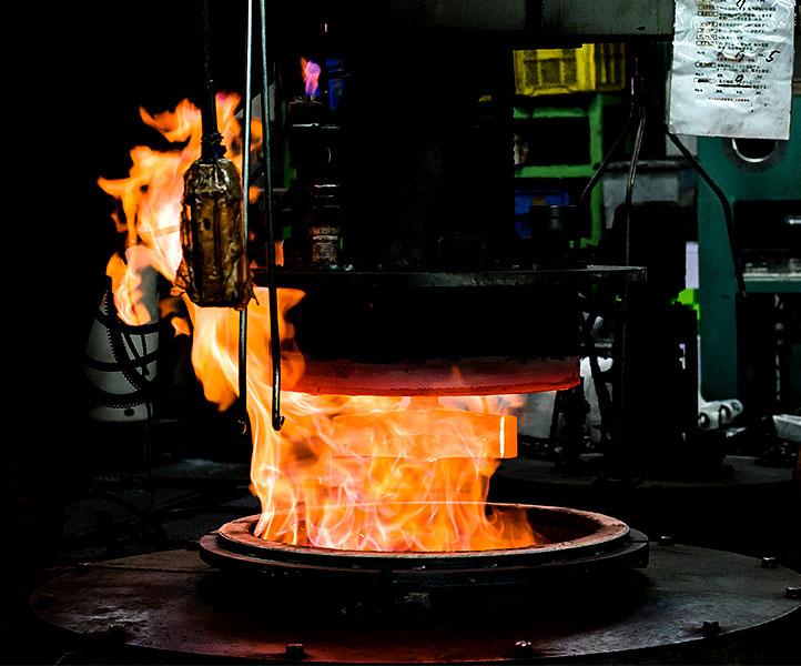 雰囲気熱処理炉